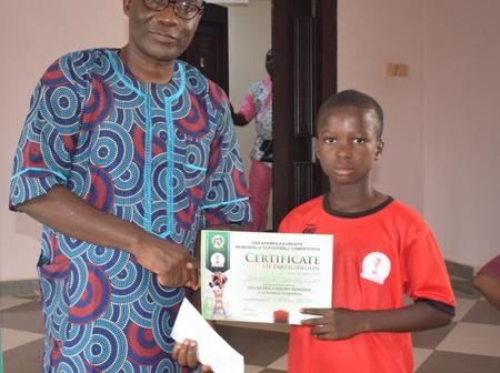 EXCLUSIVE: Eleka Gifts Cash And Sports Materials To Outstanding Players Of Ikere-Ekiti