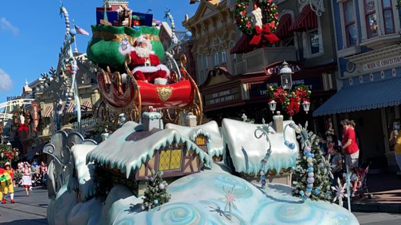 PICS: Santa Goofy Has Made His Way to Disney's Animal Kingdom!