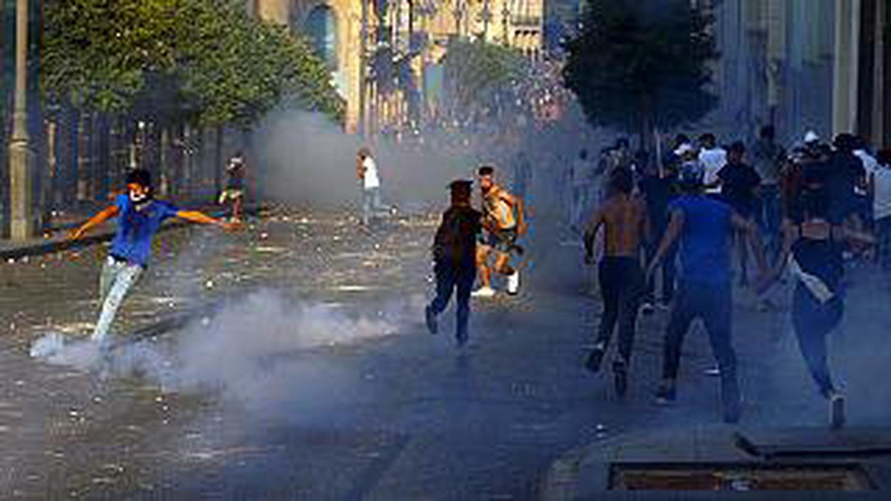 Un an après l'explosion à Beyrouth, les manifestations se transforment en émeutes