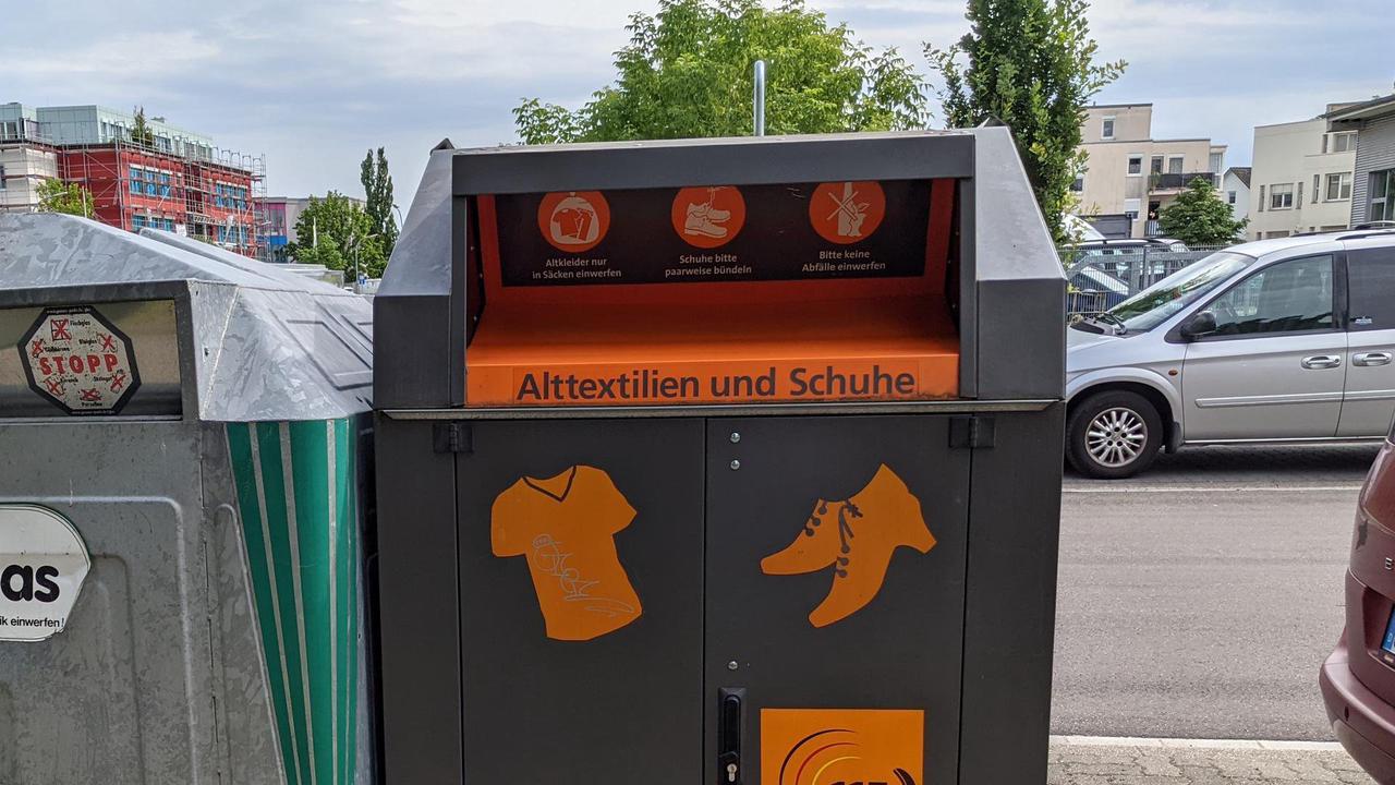 Textilpreis gesunken: Kaum noch illegale Altkleidercontainer in Karlsruhe