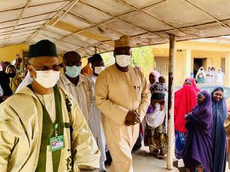 El-Rufai pays an unexpected visit to a hospital in Kaduna to check for absentees (Photos)