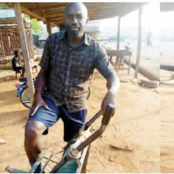500 Level Medical School Drops Out, Now Pushes Wheelbarrow For A Living In Benue State