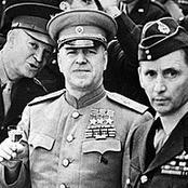 كان يقتل أي جندي يفكر في الاستسلام ..أنقذ روسيا من هتلر.. قصة أقوى قائد عسكري في القرن العشرين .