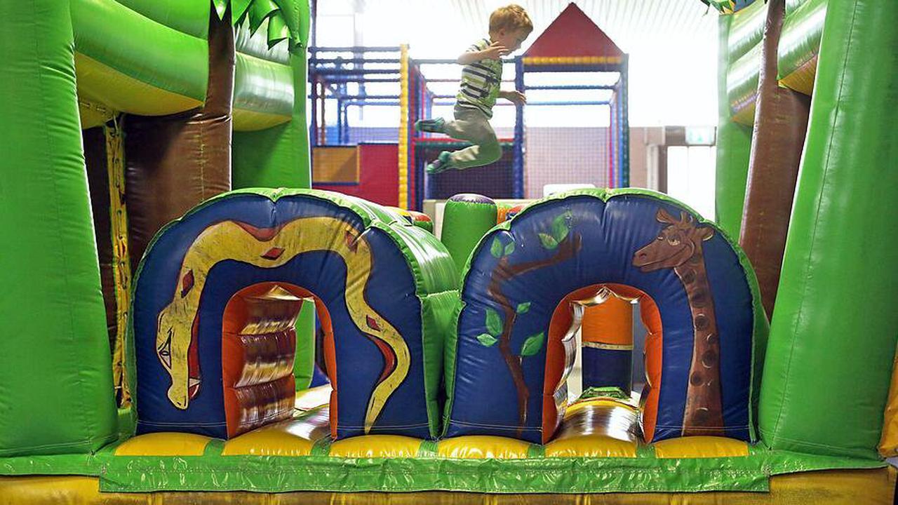 Verwaltungsgericht: Kinder dürfen ohne Maske auf Indoor-Spielplatz in Hambach