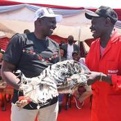 How Ruto Was Gifted By Some Youths In Nairobi