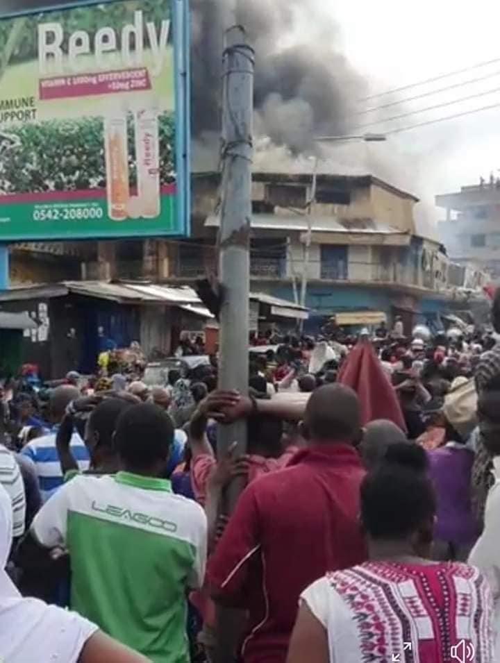23094814098b4089af8f3c57ea1baaf1?quality=uhq&resize=720 - Sad: Fire Razes Three-Storey Building At Aboabo Station & A Market Behind KNUST