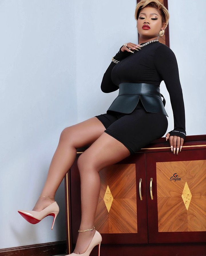 232e830566fc47769718d29493aae099?quality=uhq&resize=720 - Sandra Ababio Is All Shades Of S£xy In This Black Mini Outfit
