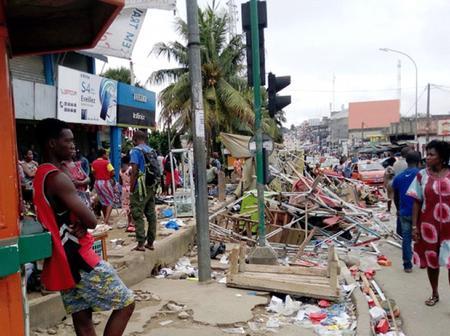 Cocody : le déguerpissement d'un marché illégal tourne au drame