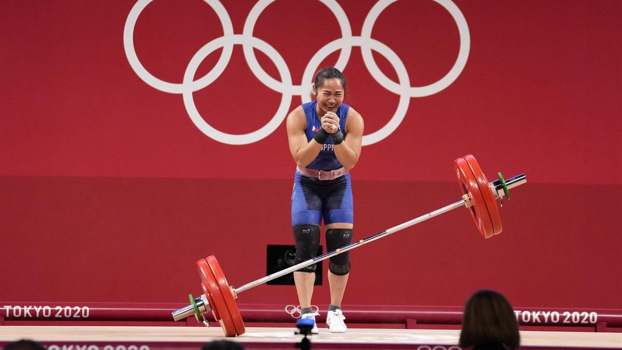 Tokyo 2020 - Manny Pacquiao heaps praise on Hidilyn Diaz after weightlifter wins Philippines' first ever gold