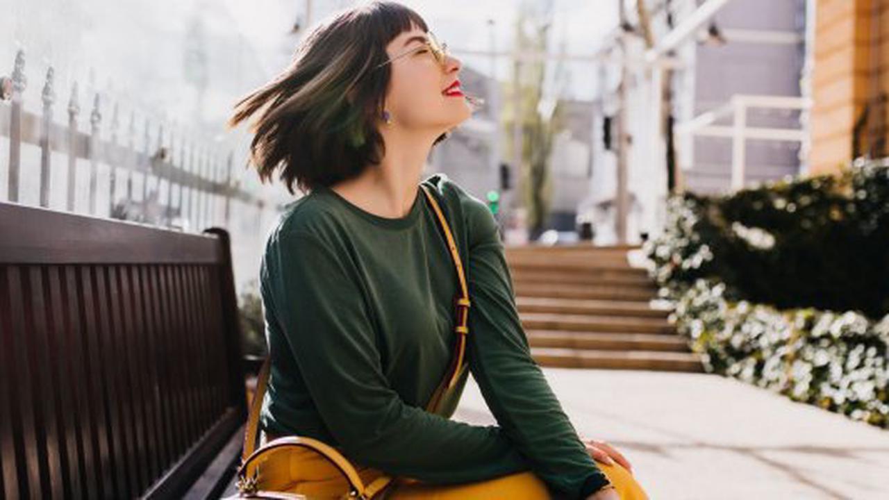 Couleur, style, longueur : des erreurs de cheveux qui vous font paraître plus vieux