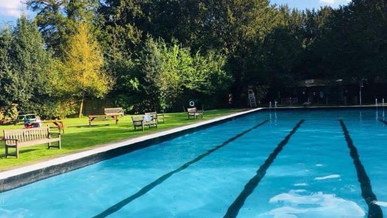 The hidden gem open air swimming pool right here in Cheshire
