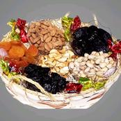 Truth about dried fruits: benefits and possible harm
