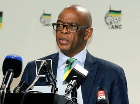 Ace Magashule and others changed with corruption demanded to step aside within 30 days