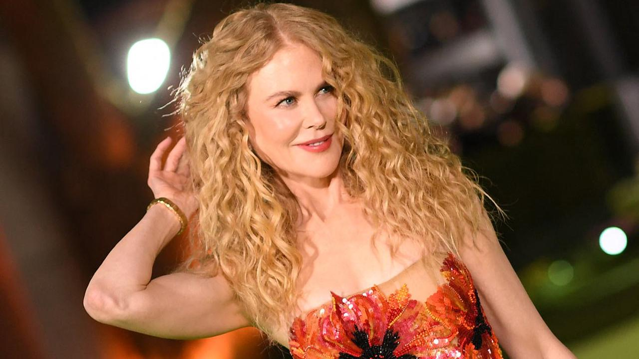 Nicole Kidman, 54, brings back her natural curly hair for starry celebrity gala