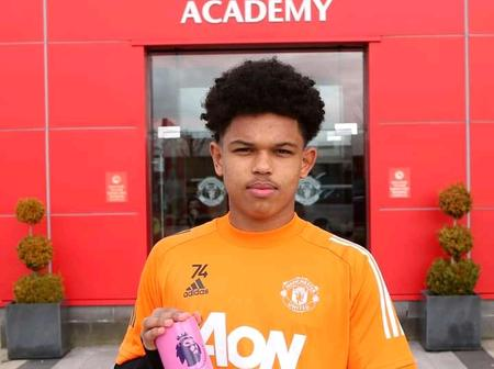 Manchester United Youngster Wins Player Of The Month Award