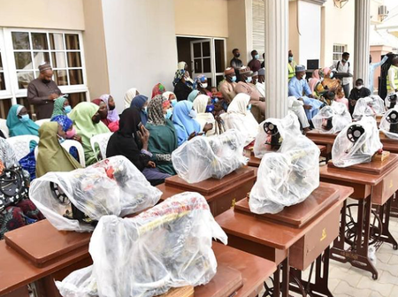 Aisha Buhari Put Smiles On Kano Residents Faces By providing Them Machines That Will Aid Production