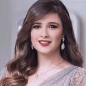 شاهد صور ابنة الفنانة ياسمين عبد العزيز ومدي الشبه بينهم