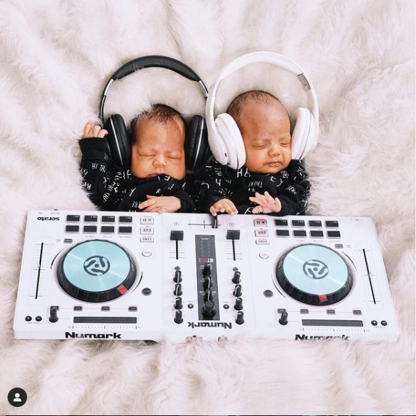 Nick Cannon and DJ Abby DeLaRosa celebrate their beautiful twins as they clock 1-month -old (photos)