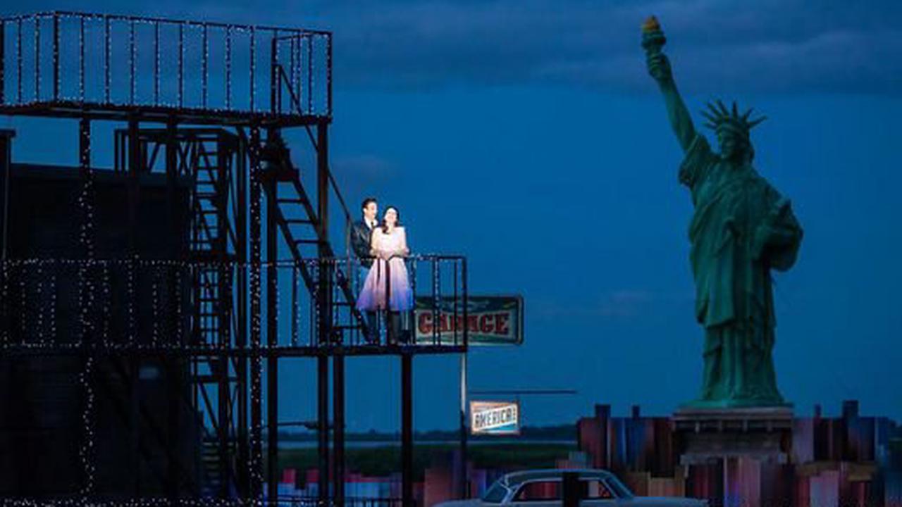 """Kritik aus Mörbisch""""West Side Story"""": Manhattan am Ufer des Neusiedler Sees"""