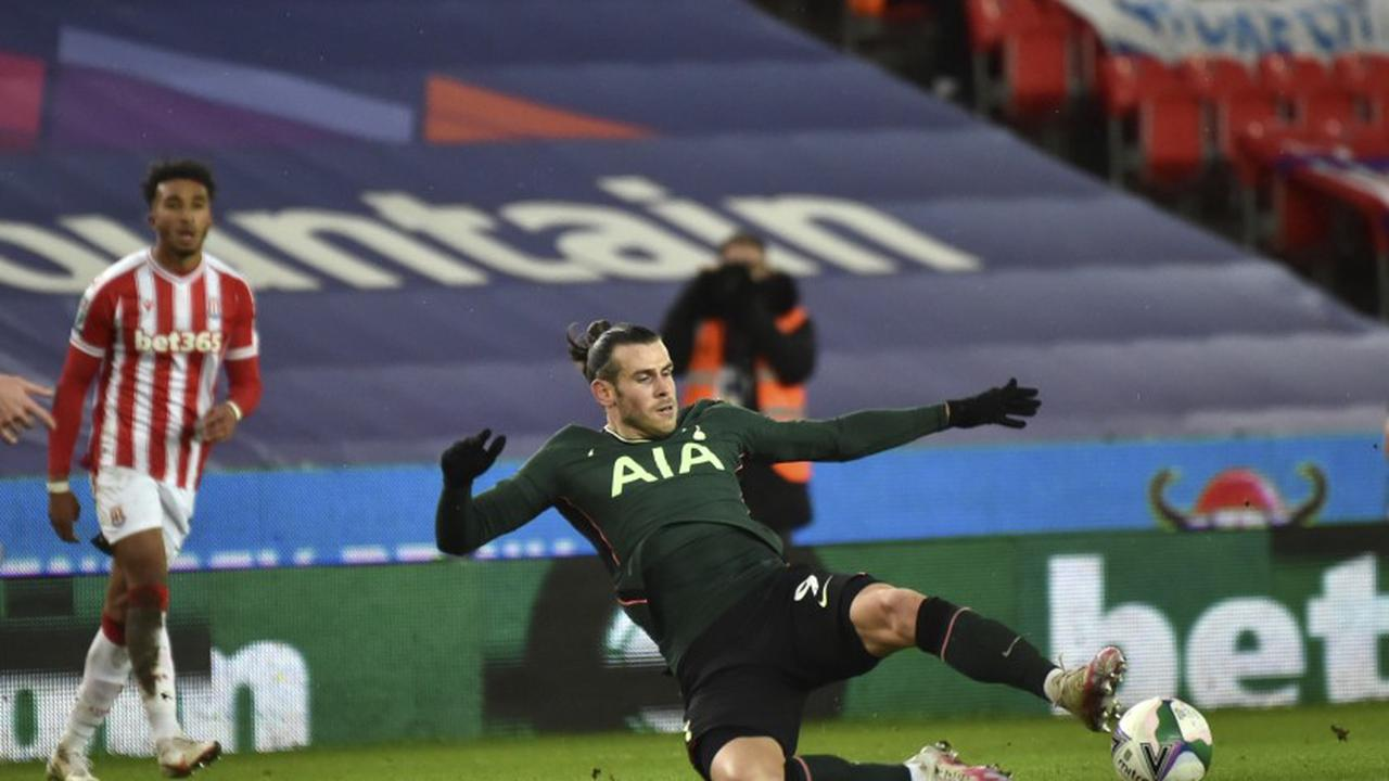 Tottenham's Bale ruled out 'a few weeks' with calf injury