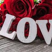 Top 5 Lovely Text Messages You Should Send Your Girlfriend Today And Make Her Love You More