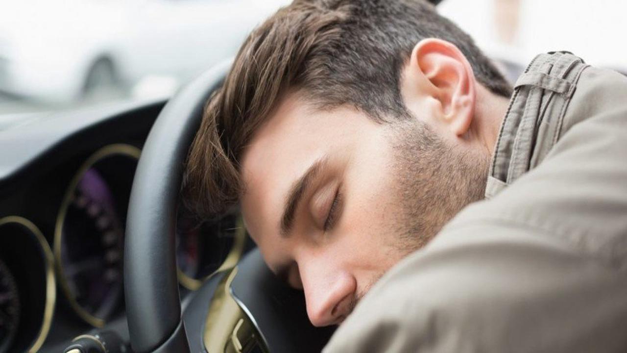 À Argentan, assoupi au volant, un homme percute un véhicule circulant en sens inverse