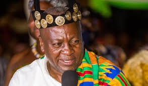 28a88c27b032eacd109d6483a31ee3ce?quality=uhq&resize=720 - Prez. Akufo-Addo, Dr. Bawumia And John Mahama Who Dazzles More In Their Kente Cloth (Photos)