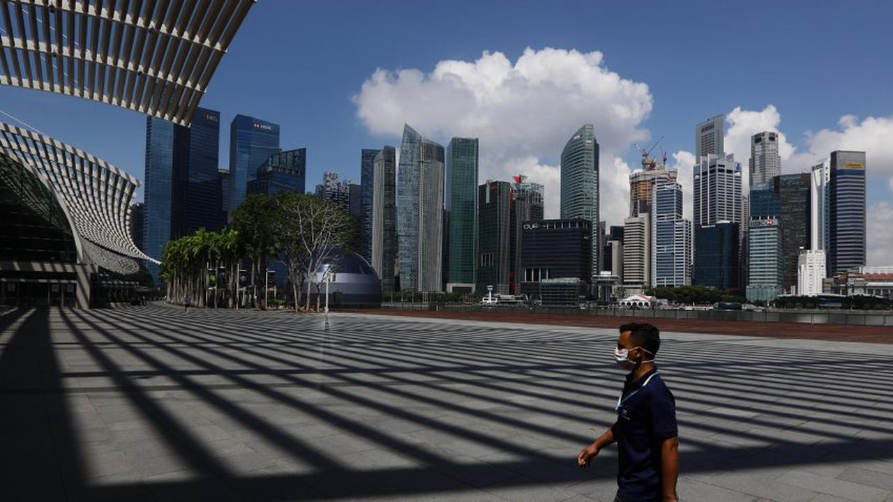 Singapore's Economy Unexpectedly Grows in the First Quarter of 2021