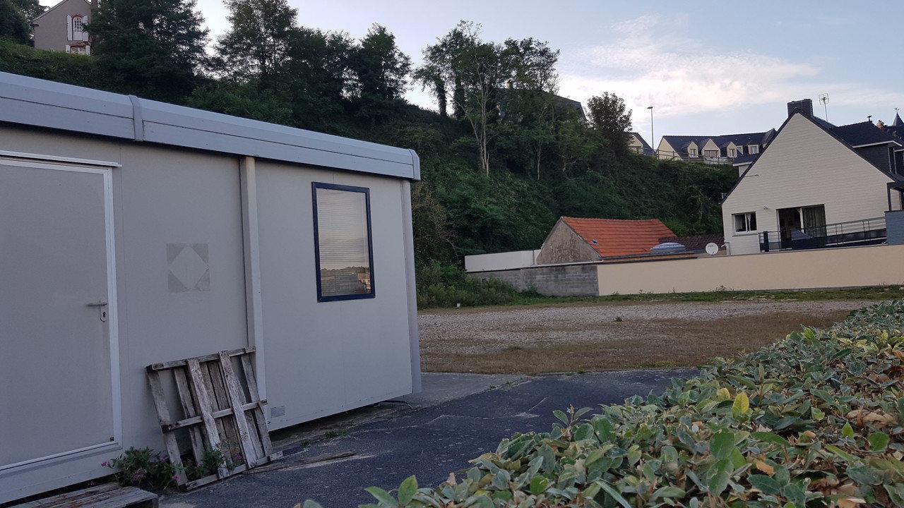 Cotentin : un terrain vendu pour y construire des logements de haut standing