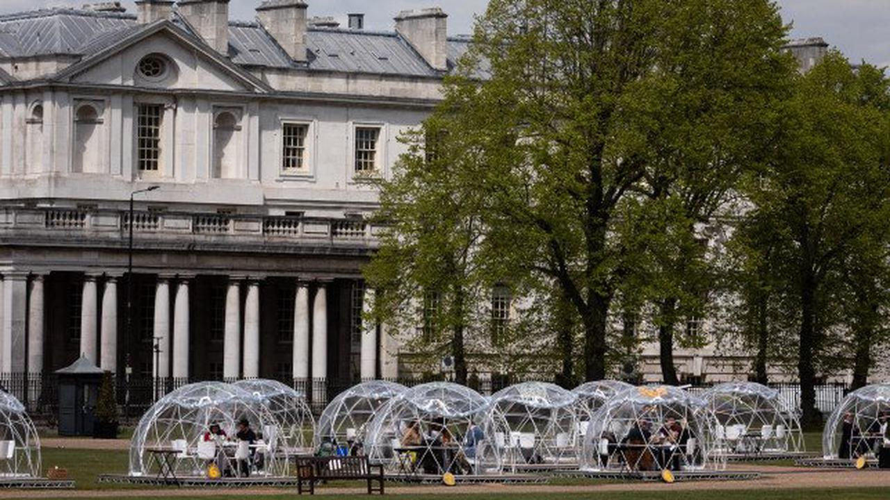 You can dine out in pods on the grounds of a Bridgerton filming location