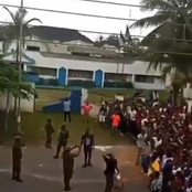 Watch what protesters at Calabar did in the presence of soldiers, after breaking into a warehouse.