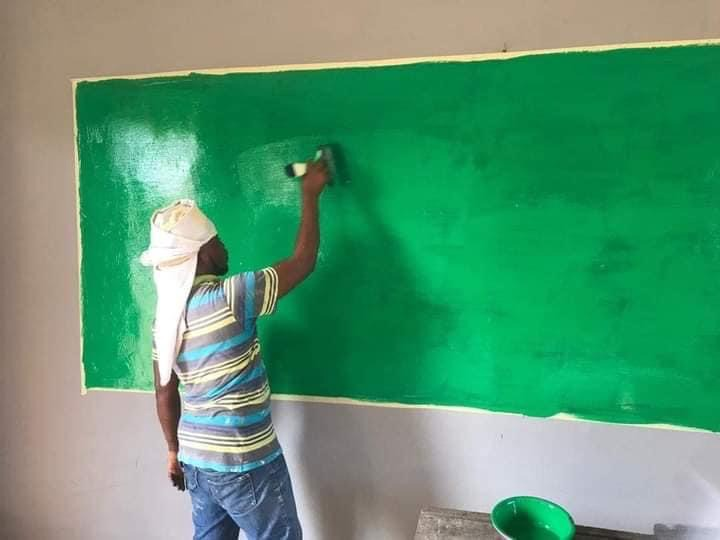 2aa25c0bfdde420eaf6b90da16a726e6?quality=uhq&resize=720 - Teacher Repainted His Classroom With His Money To Make Teaching & Learning Attractive For His Pupils