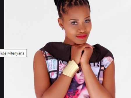 Zenande Mfenyane Can't Hide Her Disgust From What This Fan Does
