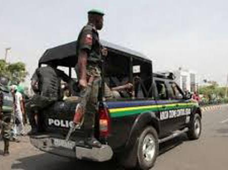 Gunmen kill policeman, kidnap a Chinese man handling the new Iyin Road in Edo-Ekiti, Ekiti State.
