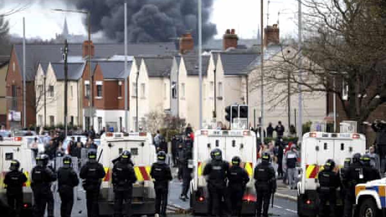 Northern Ireland executive to meet after sixth night of unrest