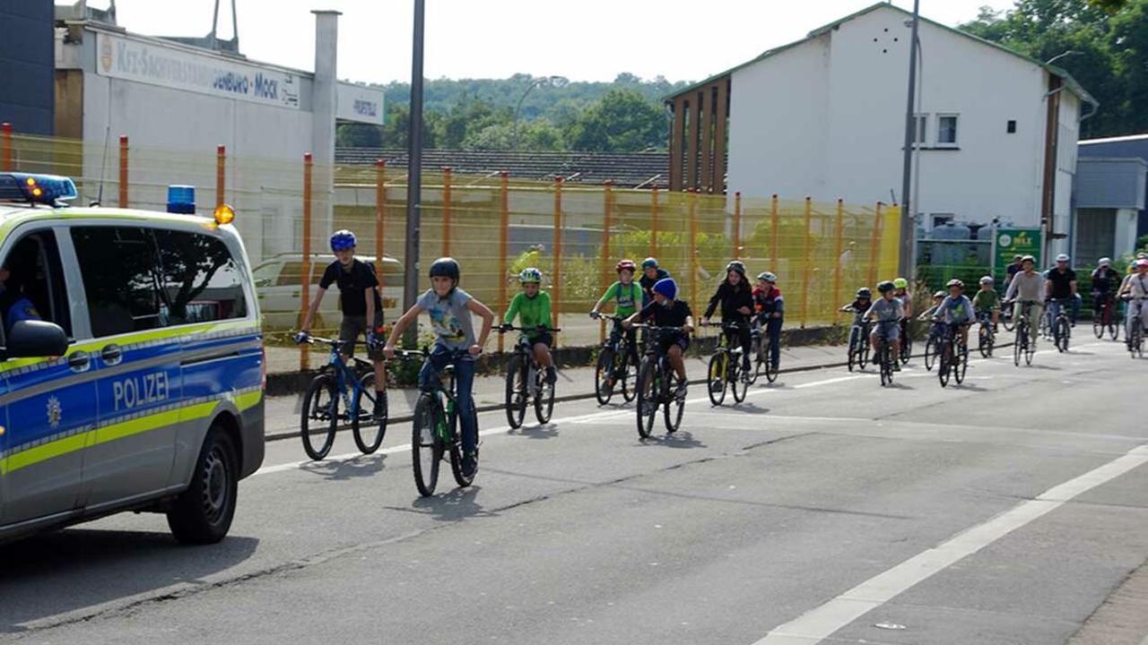 """FahrradKinderDemo """"Kidical Mass"""" in Saarlouis"""