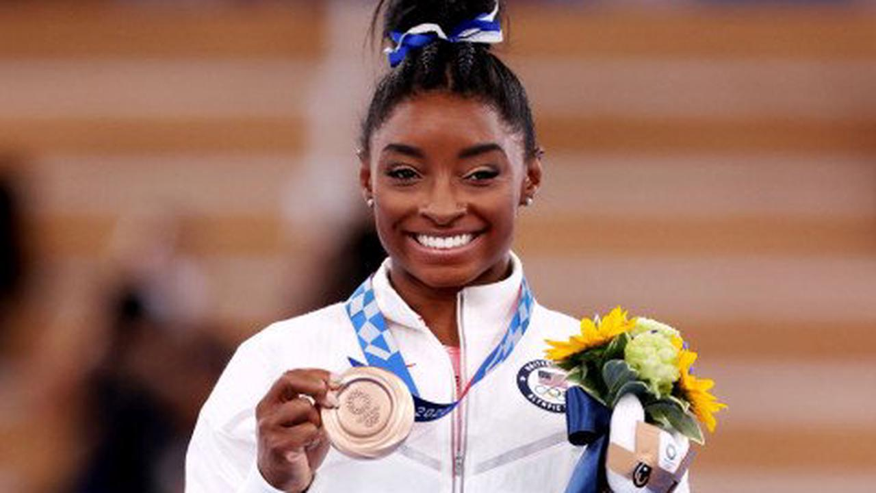 Simone Biles reveals her aunt died just two days before epic Olympic comeback