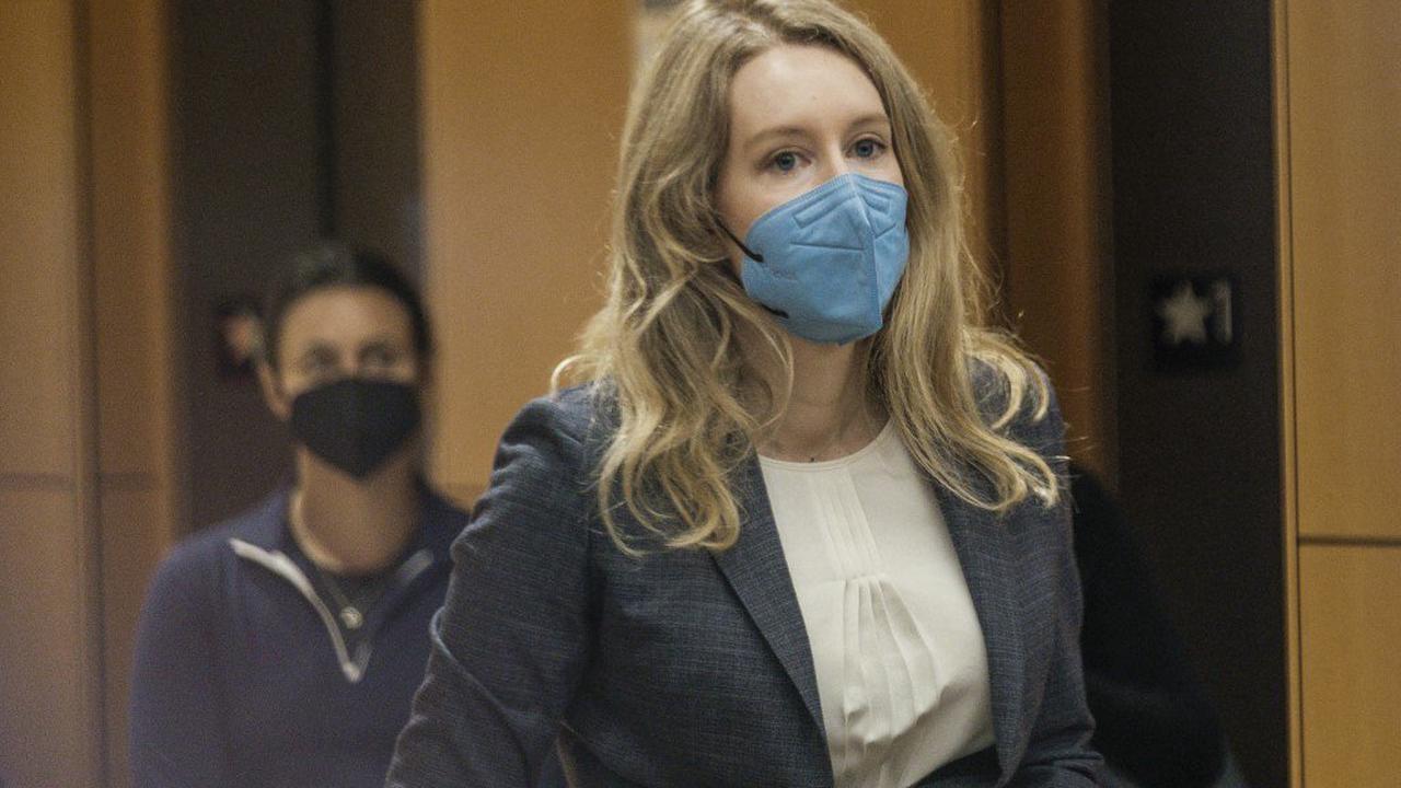 Qui est Elizabeth Holmes, l'arnaqueuse de la Silicon Valley?
