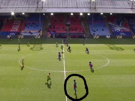 Wilfred Zaha Becomes First Player Refusing To Go On His Kness Before Their Match In The EPL