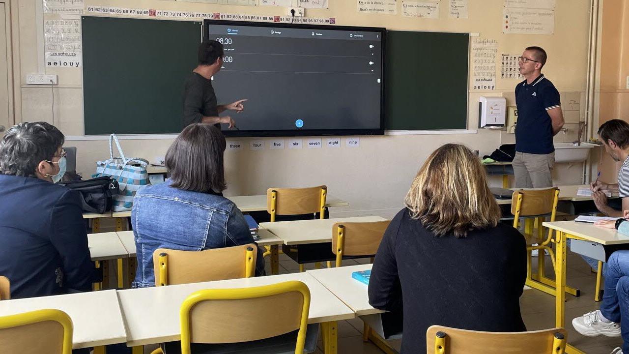 Les enseignants formés à l'usage du tableau numérique