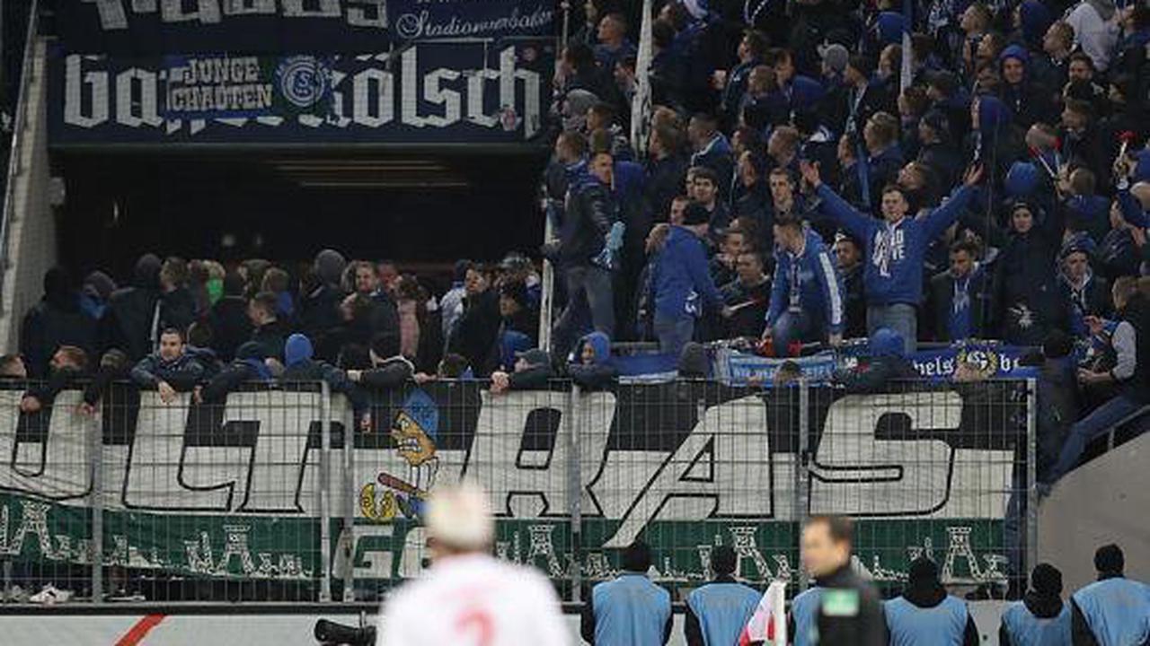 Rostock vs. Schalke Fanlager prallen in der Stadt aufeinander