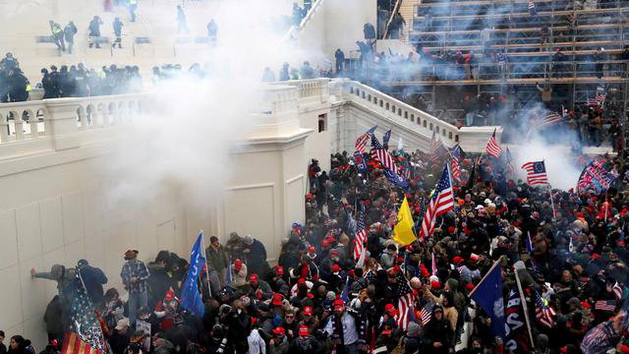 Prosecutors expect at least 100 more arrests for U.S. Capitol riot