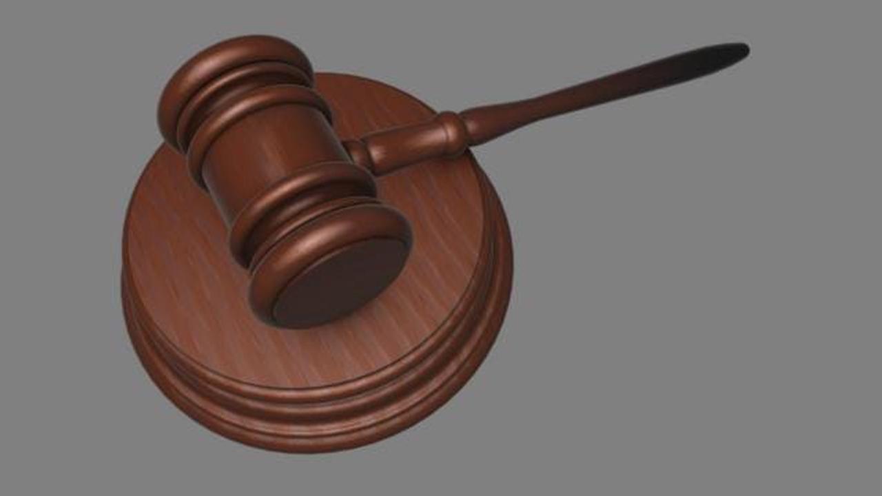 Prosecutor: 5 officers justified in shooting of armed man