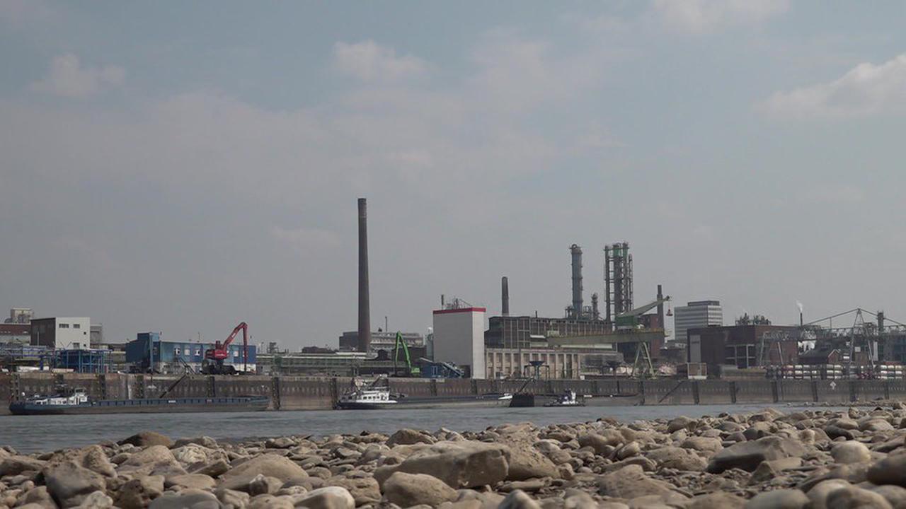 Explosion im Chempark: Anwohner sollen Fenster schließen