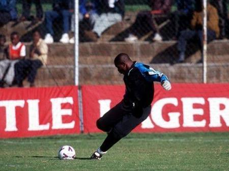 Throwback Photo Of Nigerian-Born Pastor Peterside Idah As A Footballer Pops Up On The Net
