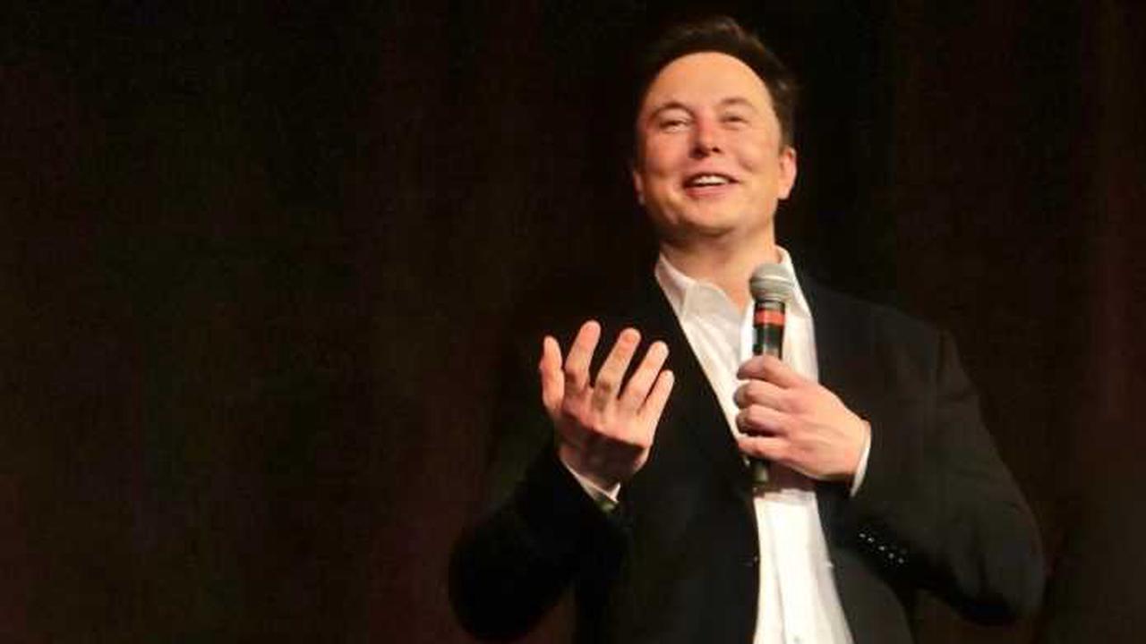 "Elon Musk vs. Apple: App-Store-Gebühren ""globale Internet-Steuer"""