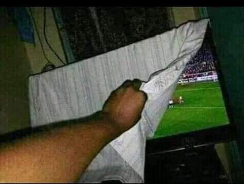 318a46cb85a8525a1fdb12009bb9696d?quality=uhq&resize=720 - See how football fans trolled Barcelona after losing 8 goals to 2 against Bayern Munich
