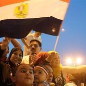 مفاجأة صادمة للإرهابية في جمعة الغضب.. وقفة في قلب ميدان التحرير تهتف