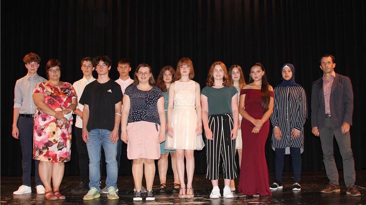 Fröhlich und feierlich: 19 Rosenfelder und Geislinger Gemeinschaftsschüler nehmen Abschied