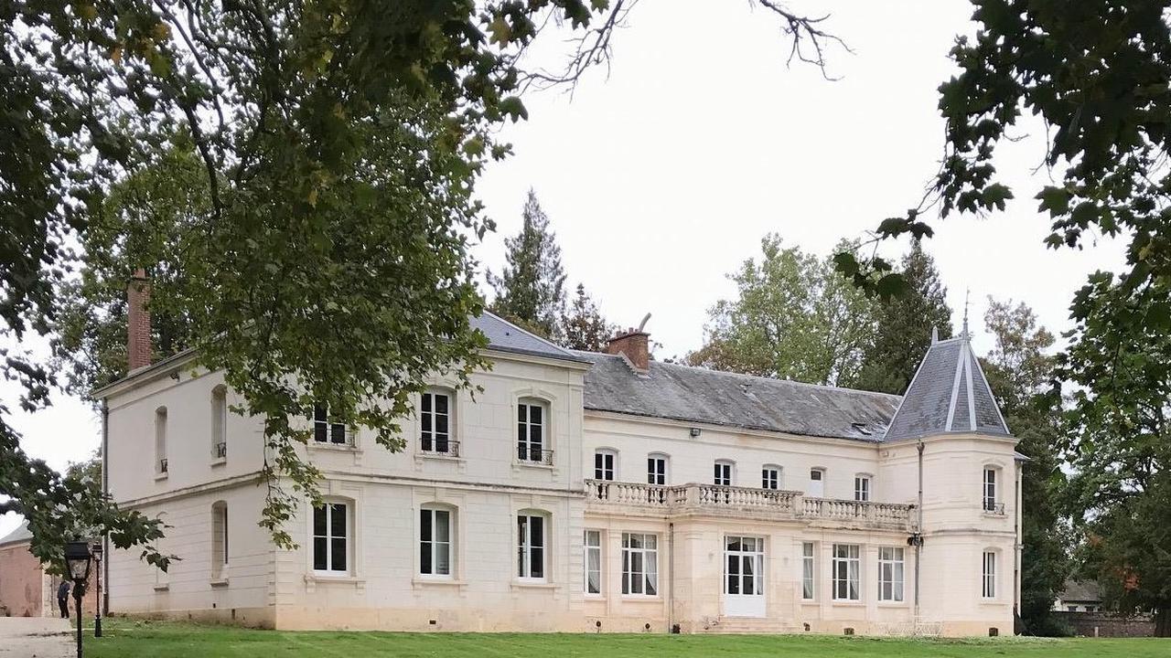 """Roye-sur-Matz : une vente aux enchères """"de prestige"""" pour la première fois au château"""